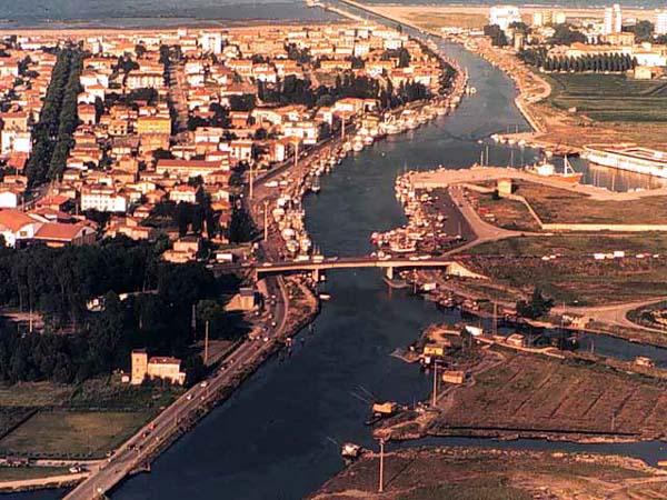 Comacchio Italy  city photos gallery : Comacchio Italy Comacchio guide Comacchio hotels Comacchio hotel ...